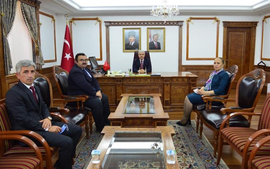 Bölge Müdürümüz Havva EKSİLMEZ Kırşehir Valisi Sayın İbrahim AKIN'ı Makamında Ziyaret Etti.